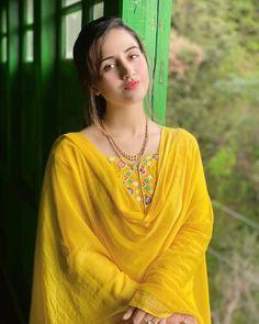 Beautiful Girl Photo, Cute Girl Photo, Beautiful Eyes, Indian Actress Hot Pics, Most Beautiful Indian Actress, Cute Girl Hd Wallpaper, Saree Wearing Styles, Couple Wedding Dress, Punjabi Girls