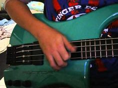 ▶ Kubicki Ex Factor Bass Review - YouTube
