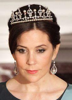 The Royal Order of Sartorial Splendor: Tiara Thursday: Mary's Wedding Tiara