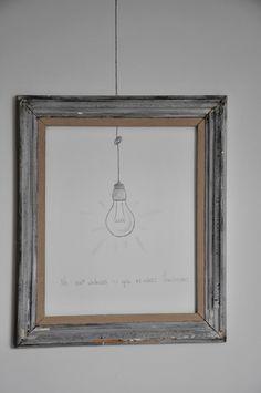 Une ampoule en trompe-l'oeil. Tout simple, mais de quoi animer joliment un mur...