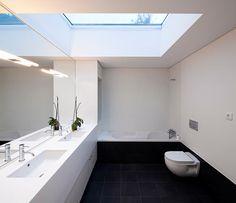 Petite salle de bain standard