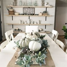 Relaxing Farmhouse Dining Room Design Ideas To Try Dining Room Decor fall decor dining room Farmhouse Dining Room Table, Farmhouse Decor, Farmhouse Ideas, Dining Table, Dining Decor, Kitchen Decor, Farmhouse Interior, Modern Farmhouse, Farmhouse Design