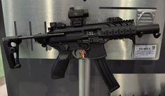 Sig Mcx, Sig Sg 550, Shot Show, Airsoft Gear, Tactical Rifles, Weapon Of Mass Destruction, Submachine Gun, Sig Sauer, Home Defense