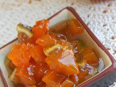Сентябрь – самое время делать зимние заготовки из тыквы. Предлагаем приготовить оригинальный конфитюр с цитрусовым ароматом, который будет радовать вас всю зиму.