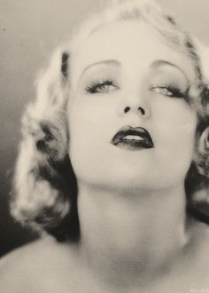 The Flapper Girl - Carole Lombard Old Hollywood Glamour, Golden Age Of Hollywood, Vintage Hollywood, Hollywood Stars, Classic Hollywood, Carole Lombard, Evelyn Nesbit, Loretta Young, Lady Godiva