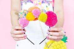 Make this DIY pom pom headband to accessorize your spring outfits. Make this DIY pom pom headband to accessorize your spring outfits. Pom Pom Headband, Headbands, Headband Crafts, Pom Pom Hat, Craft Stick Crafts, Diy Crafts, Geek Crafts, Preschool Crafts, Fashion Bubbles