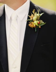 boutonniere  |  tracy moore photography