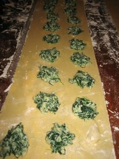 Recipe for Spinach Cheese Ravioli Two Peas Their Pod The filling is delicious I havent used the pasta dough recipe Cheese Ravioli Filling, Homemade Ravioli Filling, Cheese Ravioli Recipe, Spinach And Ricotta Ravioli, Homemade Pasta, Spinach Stuffed Ravioli Recipe, Homemade Ravioli Recipes, Mozzarella Pasta, Pasta Cheese