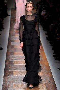 Valentino Fall 2012 Ready-to-Wear Fashion Show - Frida Gustavsson (IMG)