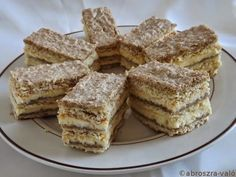 Ukrán stories and pictures at blikkruzs. Fun Desserts, Delicious Desserts, Dessert Recipes, Yummy Food, Raw Food Recipes, Sweet Recipes, Cookie Recipes, Salty Snacks, Sweet Cookies