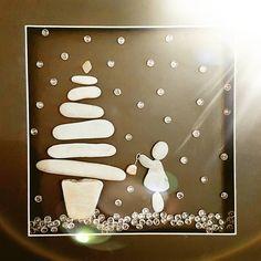 A bit of christmas pebble art #christmas #christmasart #art #stones #pebbleartist #localbusiness #llandrindod