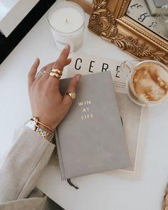 Cream Aesthetic, Classy Aesthetic, Book Aesthetic, Aesthetic Photo, Aesthetic Coffee, Aesthetic Style, Aesthetic Outfit, Photo Trop Belle, Coffee And Books