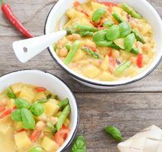 Kichererbsencurry mit Kartoffelwürfeln, Spargel und Paprika