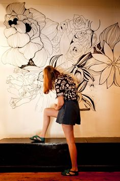 Graffiti Murals 38 Beautiful DIY Wall Painting Ideas With Floral Design - de. Diy Wall Painting, Mural Painting, Motif Floral, Floral Design, Floral Wall, Graphic Design, Deco Originale, Mural Wall Art, Painted Wall Murals