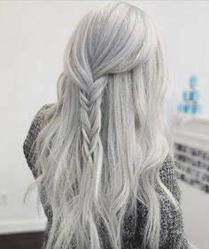 Glam Seamless Hair Extensions by @_claudiacruz_