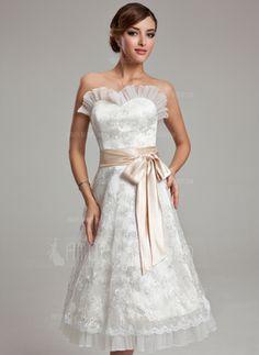 A-Line/Princess Sweetheart Knee-Length Tulle Charmeuse Lace Wedding Dress With Sash (002000174)