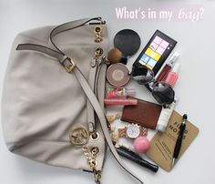 Viva Fashion: What's in my Bag? how to have a lighter purse with all the essentials