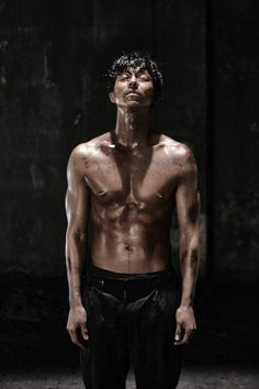 Pure Pretty: A Gong Yoo Birthday Tribute Coffee Prince, Korean Star, Korean Men, Asian Actors, Korean Actors, Gong Yoo Shirtless, Shirtless Men, Train To Busan, Dramas