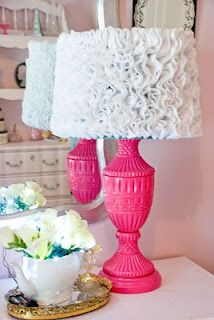 Vintage Romance: DIY Ruffle lamp shades... I must make this for my sister's new dorm room but in Coral!