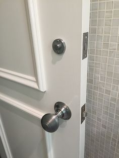 Reeded Brushed Chrome Door Knobs. Http://www.restorationonline.com.
