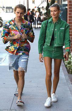 Justin Bieber and Hailey Baldwin coordinate in colorful outfits in LA Make it a set like Hailey in Heron Preston green denim Estilo Hailey Baldwin, Hailey Baldwin Style, Hayley Baldwin, Mode Masculine, Colorful Outfits, Mode Monochrome, Mode Outfits, Fashion Outfits, Baldwin Street