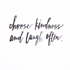 Happy friday everybody! A perfect day to be both happy and kind! ❤️ [pic repost from @heidirksn ]