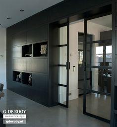 Mogelijke uitvoering voor de schuifdeuren tussen de woonkeuken en living. Voor…