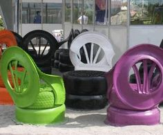 Hop On this Colorful fauteuils when you are Tire(d) :-)