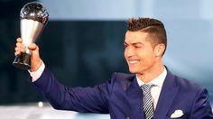 El delantero portugués del Real Madrid, Cristiano Ronaldo, ha sido elegido este lunes como el Mejor Jugador del año 2016. En una gala de los premios The...