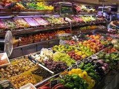 Te gusta fruta? Aquí hay las manzanas, los plátanos, las uvas, las peras, las cerezas, las ciruelas y hay mucha más. Personalmente, me gustan las ciruelas pero si quieres fruta fresca o para cocinar, el Mercado Central es el lugar para ti.