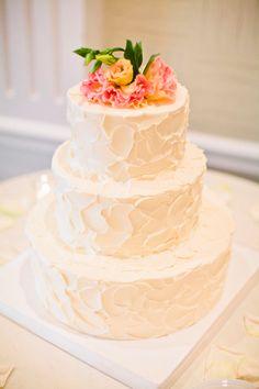 Delightful wedding cake.