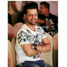 Best pose of best person😍 Atif Aslam, Good Poses, Hrithik Roshan, Be A Better Person, Beautiful Soul, Favorite Person, The Voice, Men Casual, Singer