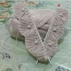 A 37 page PDF bundle of lace knit stitch patterns. Super Bulky yarn makes them super quick! Beginners to Advanced Beginners. Videos are available to help. Knitting Stiches, Easy Knitting, Baby Knitting Patterns, Knitting Designs, Knitting Projects, Crochet Patterns, Stitch Patterns, Knitting Charts, Embroidery Patterns