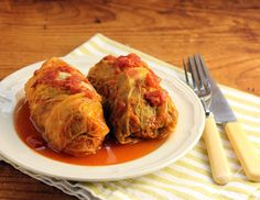 "This recipe for Polish stuffed cabbage rolls (golabki) just went on to my ""must try"" list!  {The Perfect Pantry}"