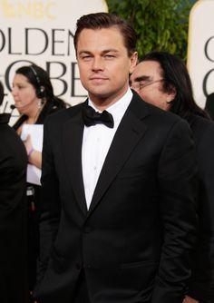 Leonardo DiCaprio on the Golden Globes Red Carpet Soo handsome! Celebrity Gossip, Celebrity Crush, Celebrity News, Celebrity Couples, Tyler Durden, Popsugar, Traje Black Tie, Globe Picture, Jay Gatsby