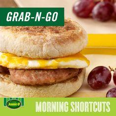 Turkey Sausage & Egg Breakfast Sandwich   Grab n' go breakfast   quick meals   Back to School   #JennieO #sweepstakes #kidfriendly