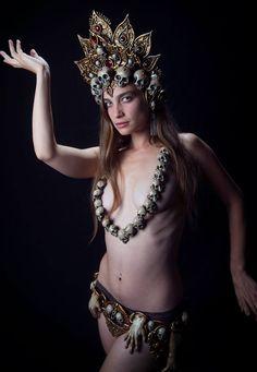 Kali headdress, necklace and belt commission, photo by Tempus Fugit Design #goddess