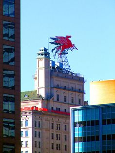 "Dallas' ""Flying Red Horse"" aka Pegasus flying atop the Magnolia Building in Downtown Dallas.never feel like I'm home until I see the flying red horse as I cross through downtown. Texas Pride, Texas Usa, Dallas Texas, Austin Texas, Dallas Skyline, Loving Texas, Texas Travel, Dallas Travel, Texas History"