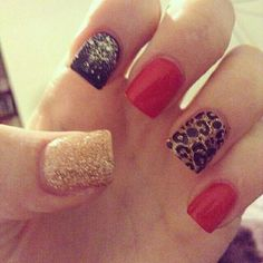 Black red & gold nails ❤