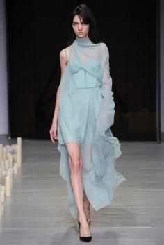 Marios Schwab | Fall 2014 Ready-to-Wear | Magda Laguinge