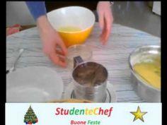 Ecco la preparazione del biscotto arrotolato, base di pasticceria ideale per la preparazione del classico tronchetto di natale.Parte 1.
