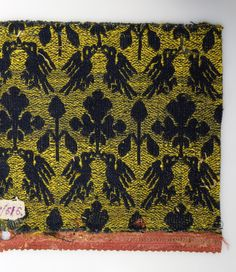 Title: Fabric with a Bird Pattern Place of creation: Sicily Date: 14th century Material: wool and silk Inventory Number: Т-616