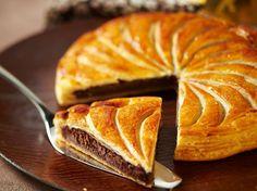 Découvrez la recette Galette des rois au chocolat sur cuisineactuelle.fr.