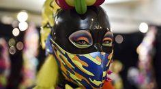 """Japon: modelo posa con ropa de la marca japonesa """"6 por ciento Dokidoki """" durante la Feria """"rooms 33 -Tokio, Japón, de moda y diseño comercial que se a  convertido en una referencia artística. .- JavierH"""