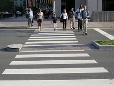 Motorists must stop when pedestrians at cross walks - https://2ndchanceautoinsurance.ca/motorists-must-stop-pedestrians-cross-walks/