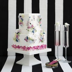 Lori Hutchinson, a.k.a. The Caketress, makes wedding cakes inspired by fashion designers. This one has Chanel all over it!
