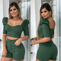 By Wanderleia Pereira (@melhordobrassp) • Fotos y videos de Instagram Suit Fashion, Look Fashion, Girl Fashion, Fashion Dresses, Saree Blouse Neck Designs, Blouse Designs, Curvy Outfits, Trendy Outfits, Indian Fashion Trends