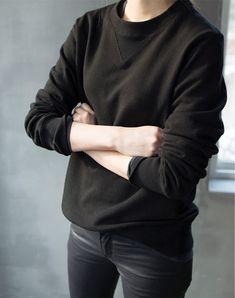 sweatshirt + skinny denim