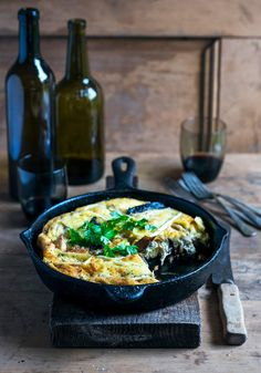 mushroom, chicken & camembert frittata with caramelised onions – Stuck in the kitchen