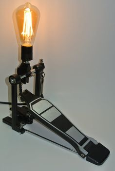 Stylish Diy Art Stickman Lamps Design Ideas With Unique Shape Drum Light Fixture, Light Fixtures, Garage Lighting, Cool Lighting, Lighting Ideas, Music Furniture, Diy Furniture, Drum Lessons For Kids, Drum Room